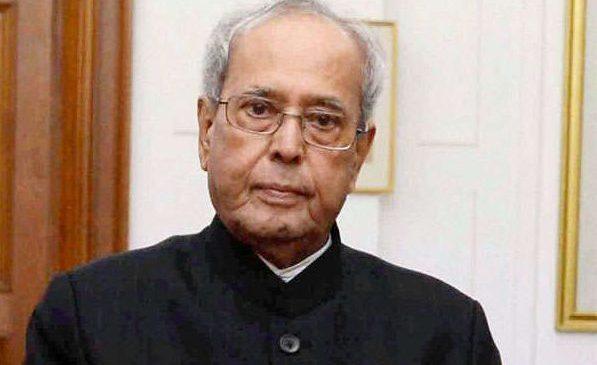 भारतका पूर्व राष्ट्रपति मुखर्जीको निधनमा भारतभर शोक, राष्ट्रिय झण्डा आधा झुकाइयो