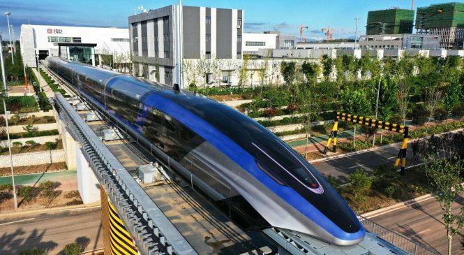 हाइस्पिड ट्रेनमा चिनियाँ चमत्कारः प्रतिघन्टा ६ सय किलोमिटर कुद्ने रेल सुरु (फोटो फिचर)